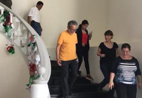 Académicos de UDGVirtual evacuando instalaciones de Casa La Paz