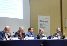 Participantes del panel sobre calidad educativa
