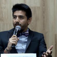Coordinador de la licenciatura en Mercadotecnia Digital, maestro Adán Sánchez Rodríguez, hablando sobre el nuevo programa