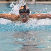 Azul Raya Vázquez, en práctica de natación