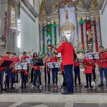 agrupación conformada por 22 músicos en la parroquia de Santiago Apóstol