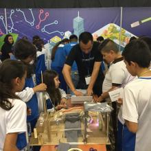 Niños en taller de UDGVirtual en Papirolas 2018