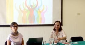 Maestra Dolores Marisa Martínez y licenciada Laura Topete González