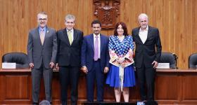 Mtro. Guillermo Arturo Gómez Mata, Dr. Héctor Raúl Solís Gadea, Ahmed Alameri, Mtra. Marisol Schulz Manaut y Lic. Raúl Padilla López