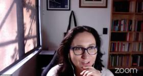 Anahí Urquiza Gómez durante el webinario