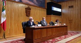 Presídium durante la rueda de prensa