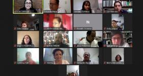 Participantes durante la charla