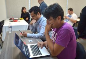 Participantes participando durante taller