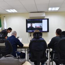 Kenneth Alberto Mora Pérez durante la presentación de proyecto mediante videoconferencia