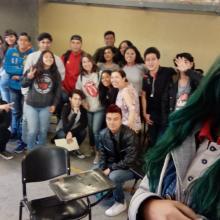 Equipo participante durante la presentación