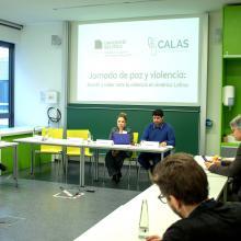 doctora Amelia Solórzano durante conferencia