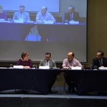 "Participantes del panel ""La universidad a futuro"""